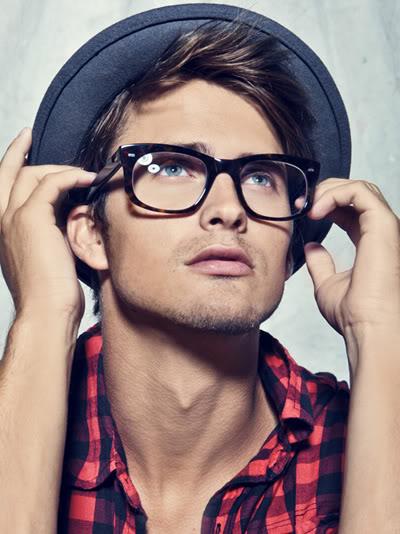 Moda occhiali inverno 2018: ecco le ultime tendenze uomo/donna