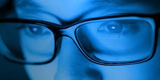 Luci blu: come prevenire i danni alla nostra vista