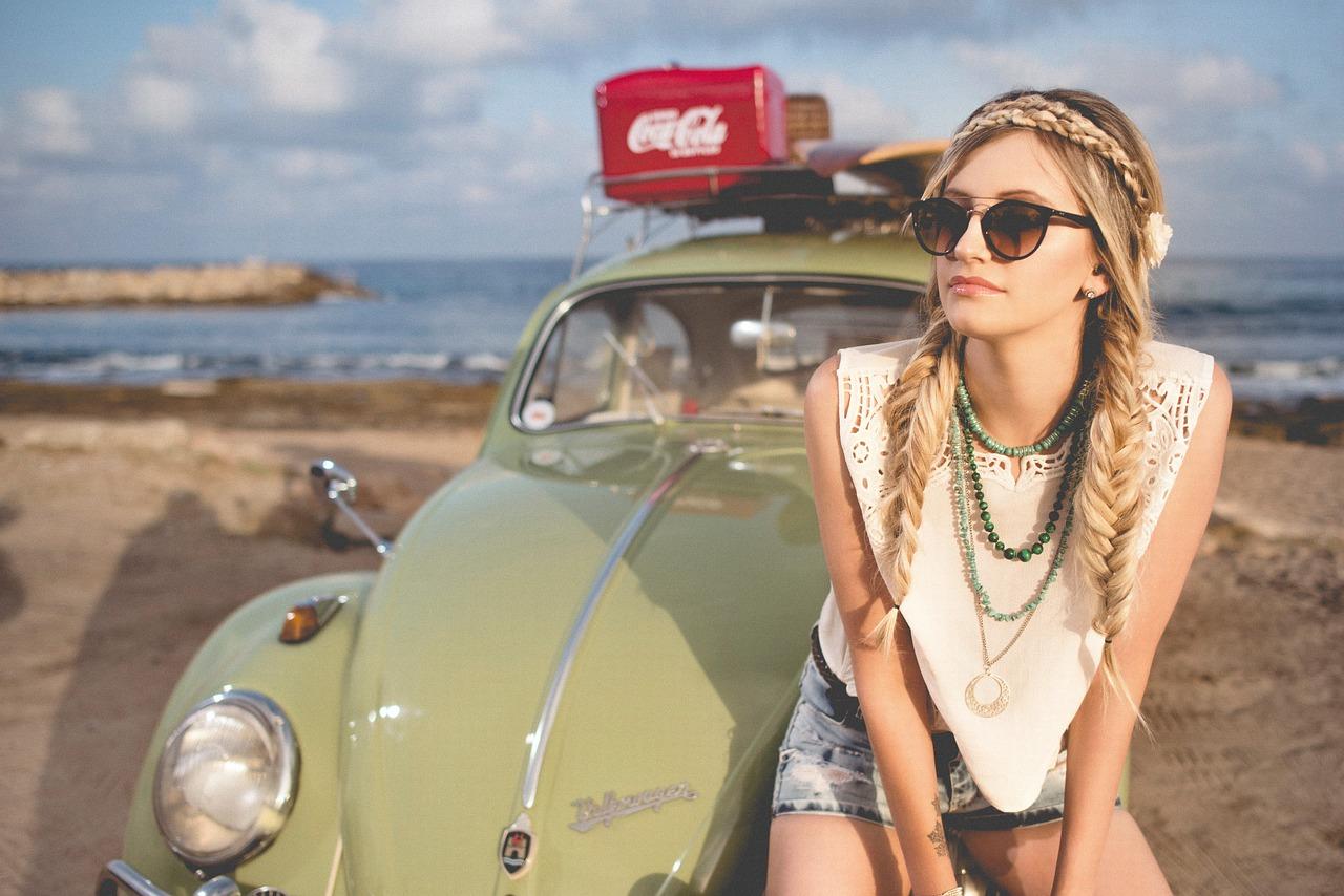 Stili nel 2018: le tendenze della moda in questa stagione alle porte