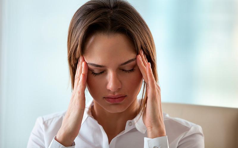 Emicrania: e se fosse colpa dello stress oculare?